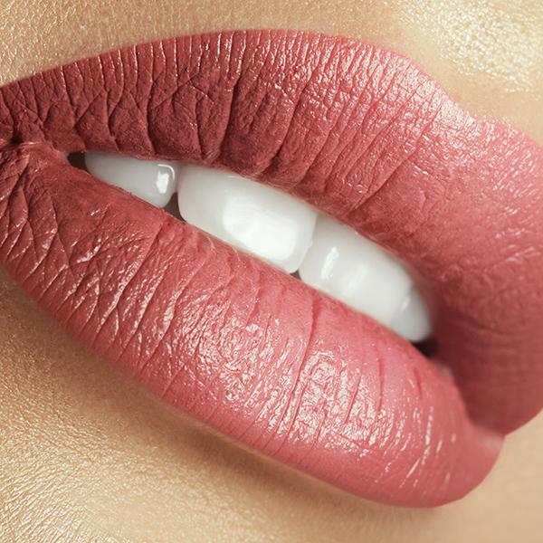 Перманентный макияж губ (контур с растушёвкой)